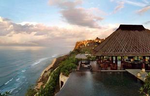 巴厘岛4晚6日(新航SQ转机,4晚海边5星酒店,品拉古娜度假村下午茶,爱咏河漂流,全程无购物纯玩团)