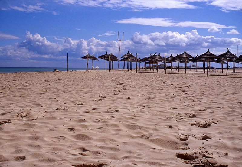 【暑期】摩洛哥+突尼斯12晚15天(TK+卡萨布兰卡+马拉喀什+菲斯+梅克内斯+舍夫沙万+哈马马特+蓝白小镇+撒哈拉沙漠)