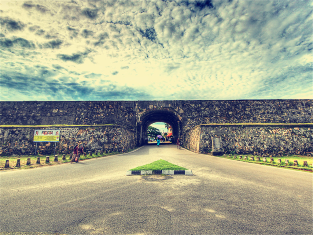斯里兰卡5晚7日文化金三角之旅(特价热卖,东航直飞,免费全国联运,登顶狮子岩,米内瑞亚森林公园,海滨升级2晚五星酒店)
