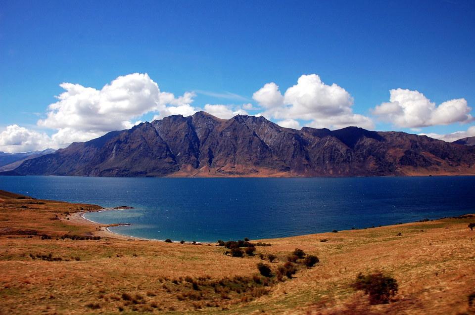 新西兰南北岛5晚8天(新西兰航空直飞+瓦纳卡镇+爱歌顿农庄+毛利文化村)