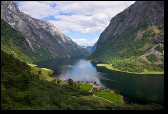 北欧四国+冰岛+爱沙尼亚15日(卑尔根+杰古沙龙湖+蓝湖+松哈盖三峡湾+峡湾游船+双游轮+升级一晚五星酒店)