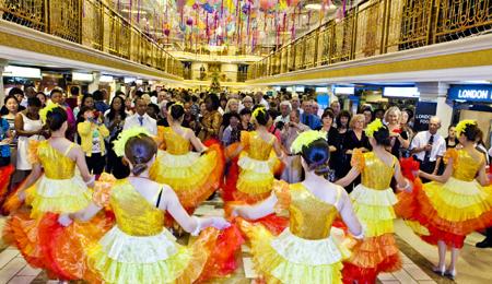 宜昌、長江三峽、重慶五星游船5天4晚跟團游(動飛,超萬噸級黃金系列1-8號游船)