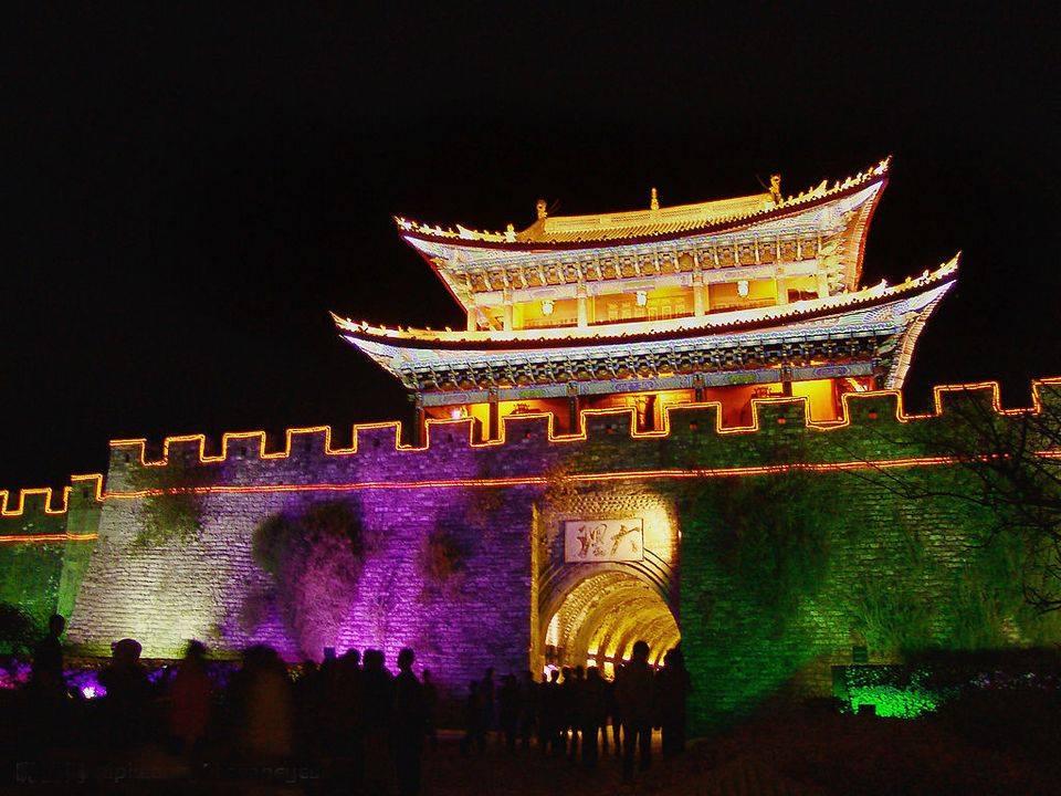 【私家团】丽江、泸沽湖5天4晚(一单一团,坐猪槽船、跳甲搓舞,吃猪瞟肉,体验别样女儿国,赠送《丽水金沙》)