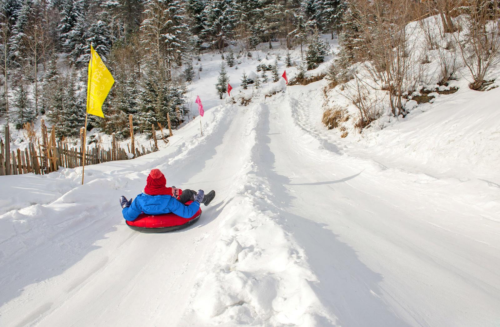 哈尔滨-亚布力滑雪场-冰凌谷-中国雪乡-私人摄影师-雪地温泉双飞6日游(赠旅拍)