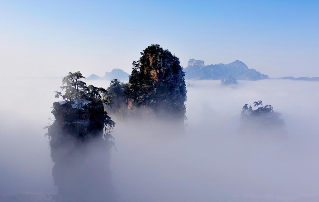 【绝妙张家界】张家界、天门山、玻璃桥、宝峰湖、魅力湘西、凤凰古城双飞五日跟团游