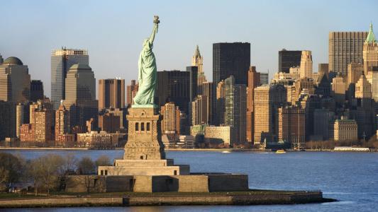 美国全景芝加哥+夏威夷13晚16日游(MU直飞,赠送纽约游船,尼亚加拉大瀑布,奥特莱斯购物,联运住宿,拉斯大道酒店,免费升级一餐龙虾餐)
