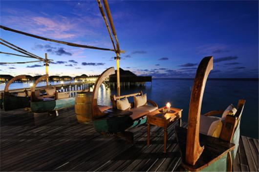 【暑期】马尔代夫阿雅达岛5晚7日自由行(上海新航,1晚马累当地酒店+阿雅达岛2沙2水,含早晚餐,内飞+快艇)