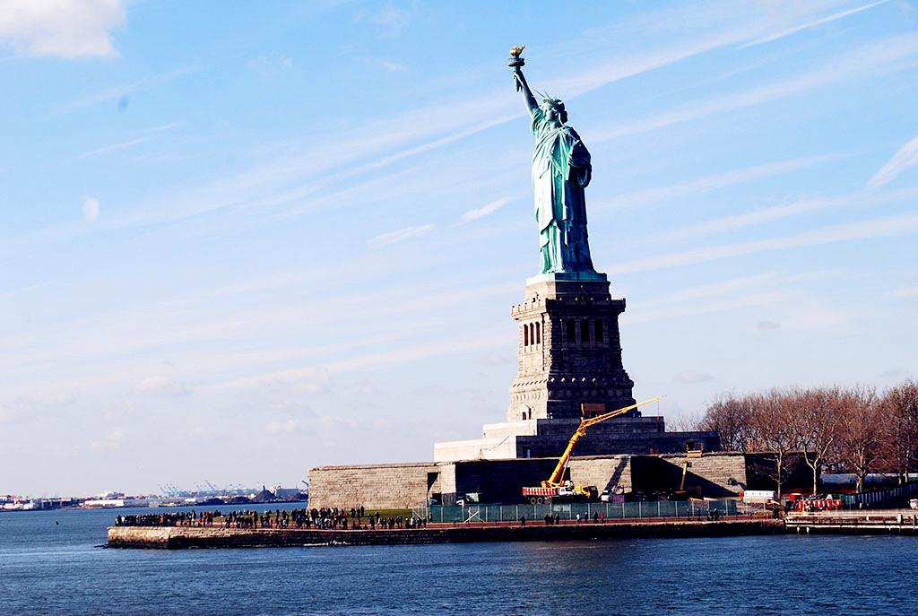 美国+加拿大+墨西哥(凤凰城)+2大国家公园14晚16日游(锡安+布莱斯+马蹄湾+赛多纳+大瀑布+多伦多大学+皇后大学+自由女神游船)