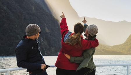 【超值】新西兰南北岛经典6晚9天(东航直飞+峡湾国家公园+毛利文化村+蒂阿瑙海鲜晚餐)