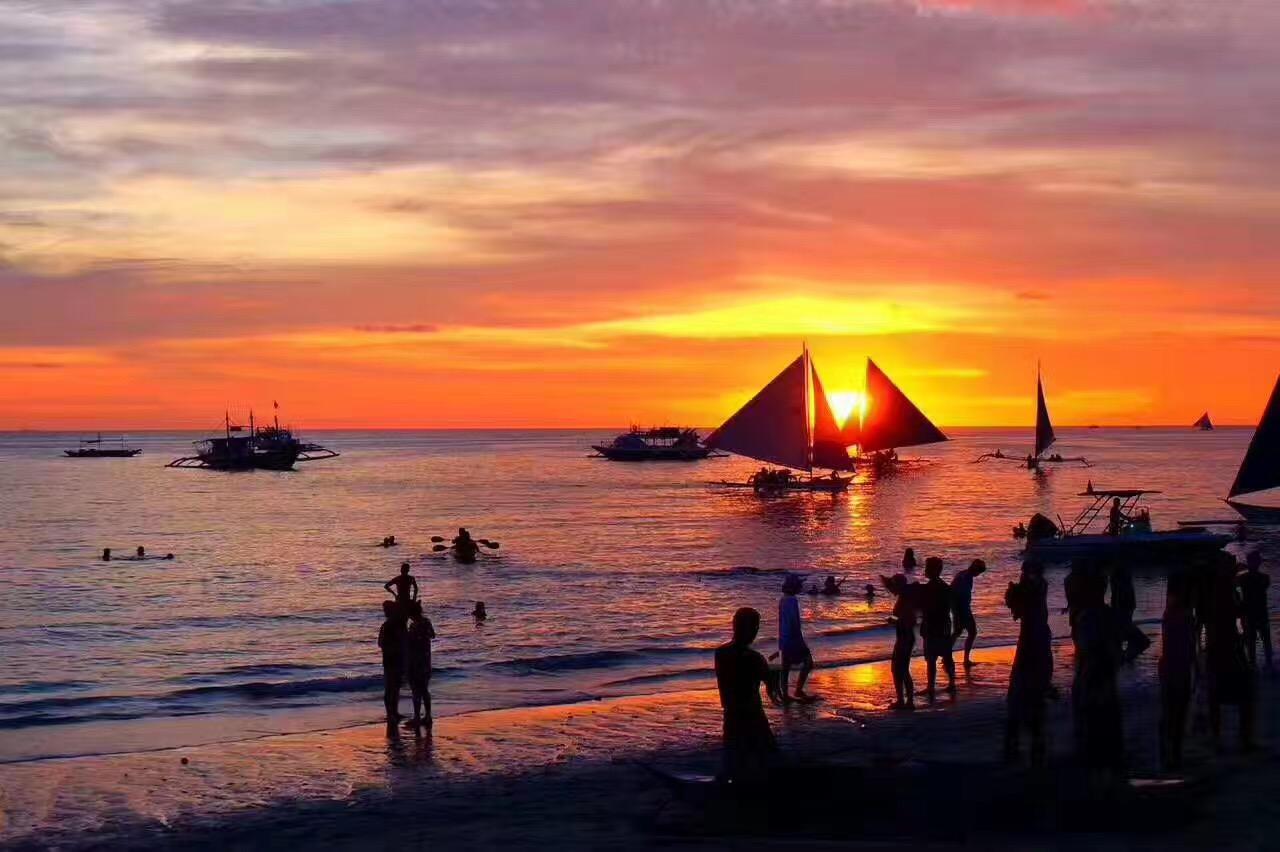 菲律宾长滩5晚6日(2P直飞,指定入住天堂花园,出海:自由浮潜+面包喂鱼+海鲜BBQ+日落风帆+网红芒果沙冰+菲式按摩,2天自由活动)