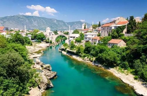 希腊+大巴尔干半岛10国26天23晚跟团游(梅黛奥拉十六湖+杜布罗夫尼克+卢布尔雅那+布莱德湖心小岛+布兰城堡)
