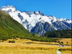 【寒假】新西兰南北岛11晚14日(凯库拉+冰川+库克山入内+萤火虫洞+皇后镇)MU