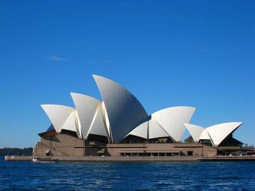 澳大利亚新西兰南北岛10晚12日(歌剧院入内+大洋路+毛利地热+爱歌顿+萤火虫洞+皇后镇自由活动)MU