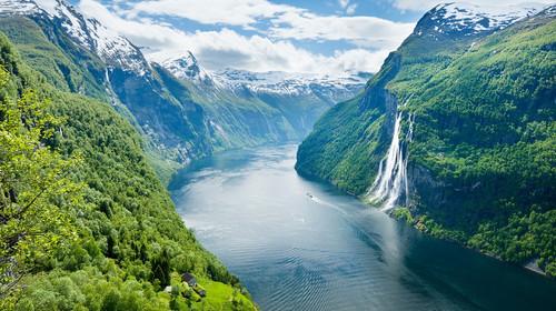 【純玩】純澈北歐四國+傳奇冰島12晚15天(東航+冰島三晚住宿+圖爾庫-斯德哥爾摩兩晚游輪+藍湖溫泉+布呂根木屋群+哈姆雷特城堡)
