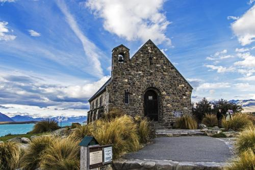 新西兰南北岛5晚8日(纯玩+胡卡瀑布+波利尼西亚温泉+赫里奇牧场+皇后镇自由活动+各地特色餐)NZ