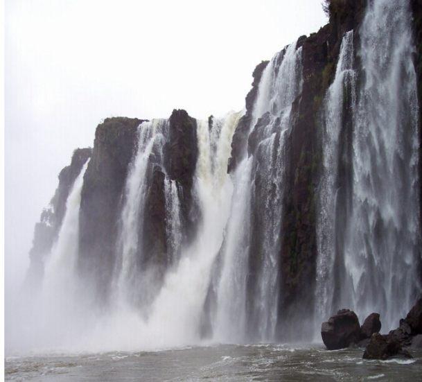 巴西+阿根廷12晚16天(特色两国游+伊瓜苏两国瀑布+亚马逊森林酒店+原始部落+WIFI+冰川游船)