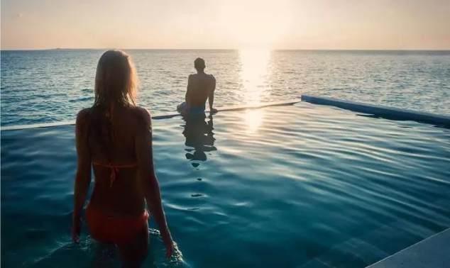 【春节】马尔代夫芙拉瓦丽 Hurawalhi 5晚7日自由行(新航转机,1晚马累当地住宿,芙拉瓦丽2泳池沙+2水,含早晚餐 ,水飞上岛)