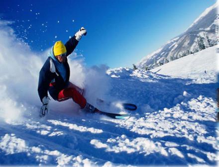 【春节】【美食盛宴、无人机360°旅拍、赠3800礼包】哈尔滨冰雪大世界、亚布力顶级滑雪、马拉爬犁、雪地摩托、梦幻雪乡5晚6日(双飞、0购物0自费)